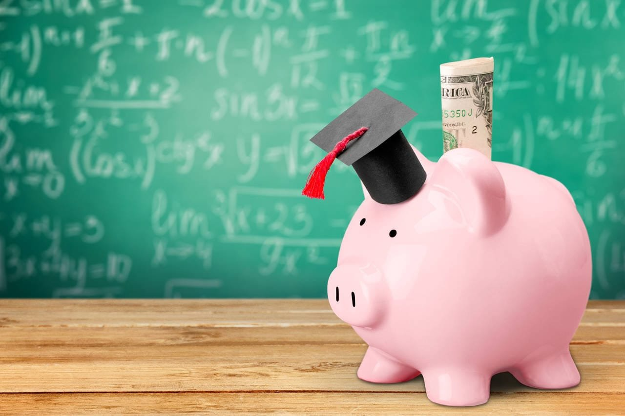 9 Tips for Effectively Managing Your Student Loan Debt