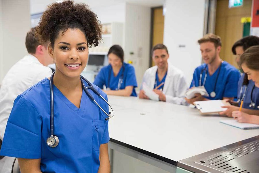 10 Best Scholarships for Medical Students